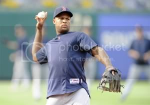 beltre-redsox-throwing