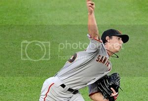lincecum-throwing