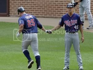 thome-back-twins