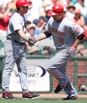 votto-handshake